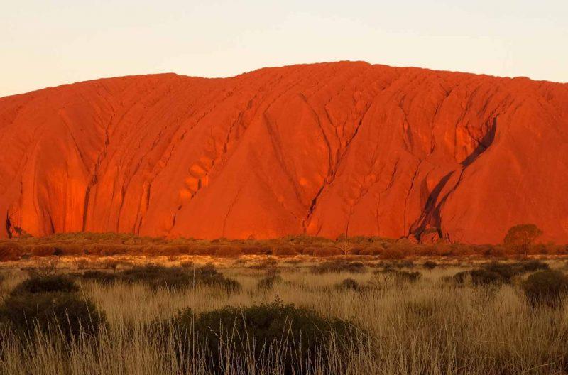 Foto Uluru al tramonto