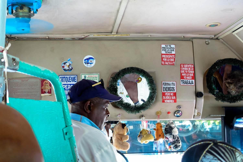 Autobus linea azul a Cuba
