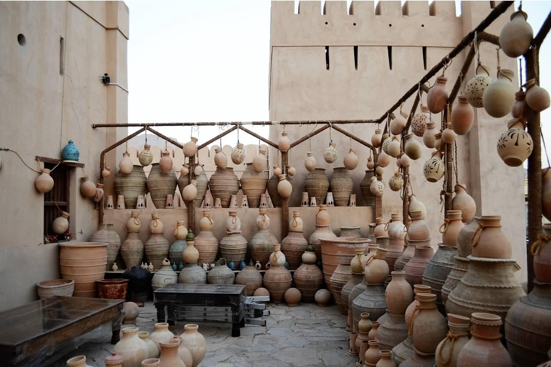 Negozio di recipienti di terracotta, Nizwa, Oman