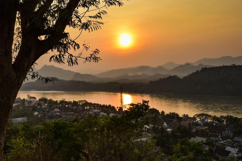 Collina Phou Si